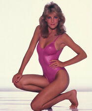 Heather Locklear UNSIGNED photo - H2863 - BEAUTIFUL!!!!!