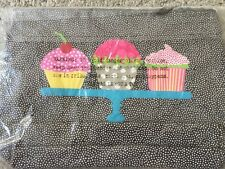 31 Thirty One Zipper Pouch In Pin Dots With Cupcake. New In Package