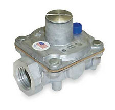 Maxitrol Regulator RV47L 1/2 inch Inlet - Outlet Propane Gas Pressure 8.0 - 12.0