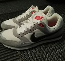 Nike Md Runner 2 white / grey rare colour , size 11 Brand new