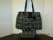 Coach Ashley Black/White Signature Shoulder/Carryall  Bag F15510