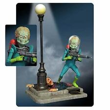 MARS ATTACKS! ~  Mars Attacks! Martian Figure Model Kit by Moebius Models