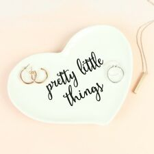 Sass and Belle 'Pretty Little Things's Ring Plato Joyería Display