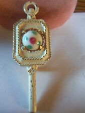 RARE WHITE AND MARBLE VINTAGE JEANNE BROOCH...
