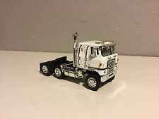 DCP 1/64 WHITE INTERNATIONAL TRANSTAR II