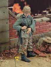 ROYAL MODEL GERMAN ENGINEER WWII Scala 1:35 Cod.RM334