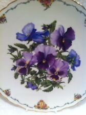 ROYAL ALBERT COLLECTOR'S PLATE 'PANSIES' QUEEN MOTHER'S FAVOURITE FLOWERS SERIES