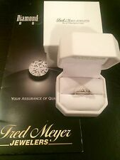 White Gold Diamond Ring 1/6 Ct Tw Round Cut 10K Fred Meyer Jewelers w/ Orig Rec