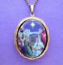Christian Porcelain CHRISTMAS NATIVITY MANGER CAMEO GT Locket  Pendant Necklace