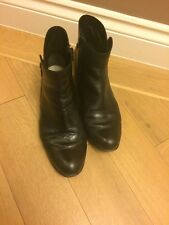 CLARKS Ladies Leather Ankle Boots Size 5.5 Shoes Ever So Soft