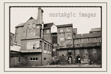 photo 100 x 150 mm TAKEN FRON A 1970'S IMAGE OF HARDY HANSONS KIMBERLEY BREWERY