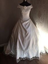 NEW Size 8 Victorian Inspired Romantic Lace & Satin Wedding Dress