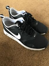 Nike Air Max Tavas Mens Running Shoes Black / White 10 Used