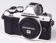 Olympus OM-D E-M10 EM10 Mark II silber Gehäuse Olympus Fachhändler Einzelstück