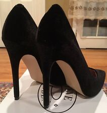 STEVE MADDEN WICKET BLACK VELVET PUMPS SIZE 8