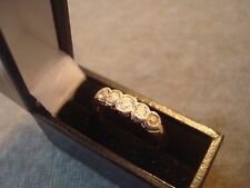LADIES .750 18CT YELLOW GOLD DIAMOND .040ct RING 3.3g SIZE O BOXED REF 0770