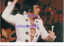 ELVIS PRESLEY GORGEOUS IN WHITE TTWII FILMING VEGAS AUGUST 1970 CANDID PHOTO