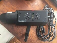 Bowens Calumet Travelite 750 CE-1080 With Reflector