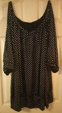 Torrid Black & Silver Split Sleeve Top Size 5  26/28 5X Banded Hem Plus Size