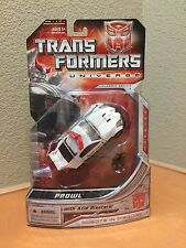 Transformers Universe Prowl Deluxe generations g1
