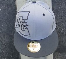 Dc Shoes New Era 59 FIFTY Side logo Gray Fitted Mens Hat Size 7.0 (55.8) cm