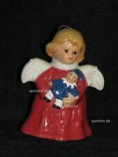 +# A009701_21 Goebel Archiv Muster Jahresengel mit Puppe 1994 rot Plombe 44-371