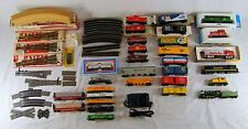 HO SCALE TRAIN SET - 5 LOCOS, 24 CARS, TRACK, SWITCHES, MORE