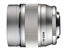 Olympus M.Zuiko Digital ED 75 mm / 1,8 Objektiv B-Ware vom Fachhändler silber
