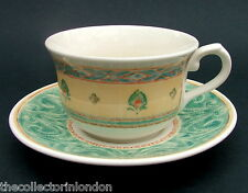Churchill Malang Pattern Large Breakfast Tea Cups & Saucers Look in VGC
