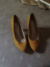 WOme's shoes size 7 sportsgirl