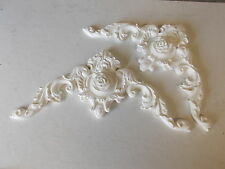 ORNATE FRENCH ROSE CENTER PIECES WHITE DECORATIVE  MOULDING / PEDIMENT RESIN ***