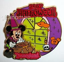 Disney DLR - Halloween 2007 - Minnie Mouse Dressed up as a Witch Costume LE Pin