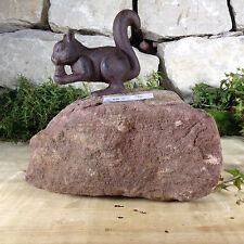 Garten Terrasse Bachlauf Naturstein Sandstein Kräuterspirale Eichhörnchen Geko