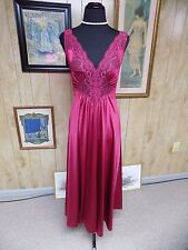 Vintage Burgundy Wine Nylon Lace Vanity Fair Olga Sweep Nightgown Small