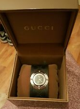 Gucci Twirl 112 Series Ladies Gg Monogram Black Rubber Strap Watch