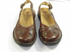 NWOB !Women's Leather Clarks Unstructured Mary Jane,sling Shoes size 8.5 M $110