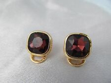 NWT MONET GOLD & DEEP PURPLE SQUARE STONE ANTIQUE LOOK EARRINGS, Clip-on