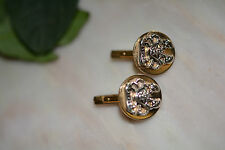 VINTAGE SIGNED SWANK GOLDTONE WITH RAISED CRAB CANCER SIGN CUFFLINKS