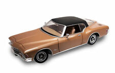 BUICK 1971 RIVIERA GS GOLD with REAL VINYL ROOF 1.18 SCALE