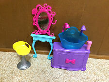 2010 Barbie Doll Hair Tastic Color And Wash Salon Sink Vanity Mirror Chair Lot