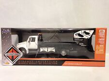 INTERNATIONAL DURASTAR 4400 FLAT BED TOW TRUCK,COLLECTIBLE 1:24 DIECAST JADA TOY