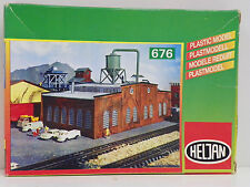 "HELJAN N SCALE U/A ""MACHINE WORKS"" PLASTIC MODEL KIT #676"