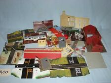A00 HUGE LOT OF VINTAGE HO SCALE BUILDING PARTS & PIECES AND MORE