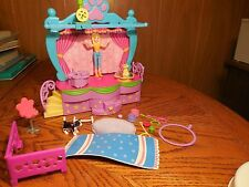 Polly Pocket Pet Dog/ Cat Show Stage Play Set