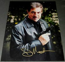 JOE MANTEGNA ACTOR SIGNED 11X14 PHOTO CRIMINAL MINDS JOAN OF ARCADIA SIMPSONS