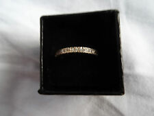 Pretty gold-coloured  eternity-style ring - size O-P - nice Christmas gift