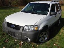 Ford: Escape Hybrid 1-OWNER! CLEAN CARFAX! NO ACCIDENTS! LIKE NEW TIRES!