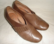 Ladies Clarks Softwear Light Brown Leather Shoes Mid heel Size 5 E