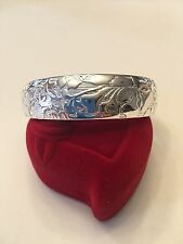 NEW STERLING SILVER PLATED BANGLE BRACELET WITH FLOWERS--B209