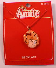 Orphan Hardknock Winking Annie Necklace Pendant Mint On Card 1981 Moc N5640